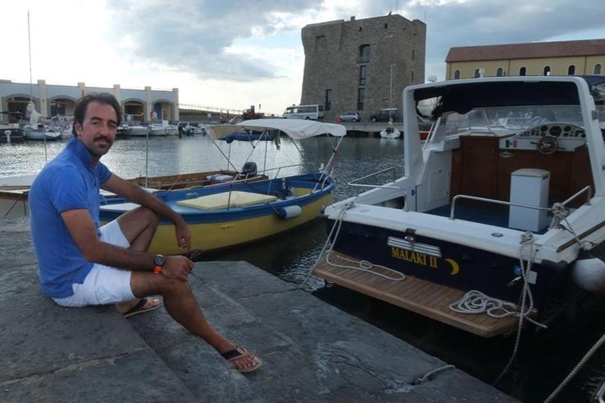 Stefano Pisani,alcalde de Acciaroli, una región particularmente longeva de Italia. (Foto Prensa Libre: AFP).