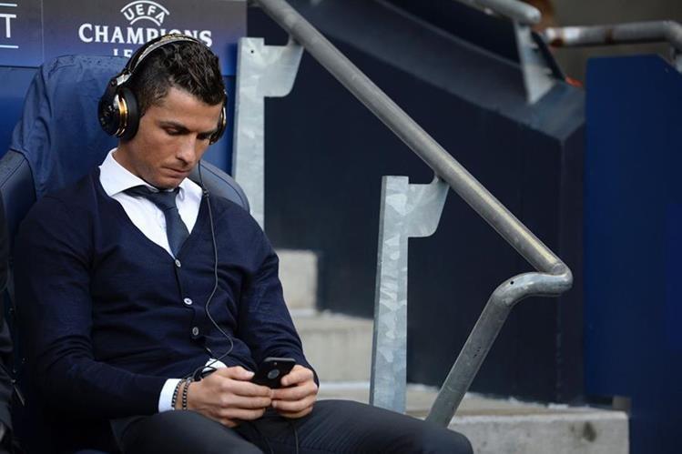 Cristiano se quedó fuera de la convocatoria del Real Madrid para el partido contra el Manchester City en la ida de semifinales de la Liga de Campeones de Europa. (Foto Prensa Libre: AFP)