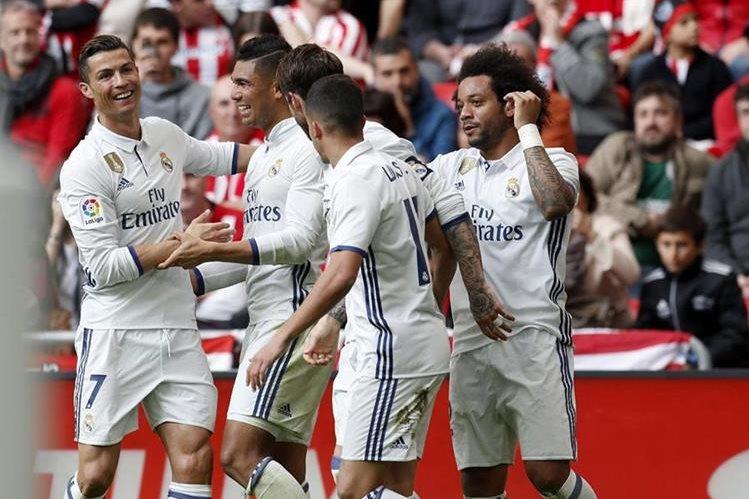 El Real Madrid seguirá líder de La Liga gracias a un gol de Casemiro a pocos minutos del final. (Foto Prensa Libre: EFE)