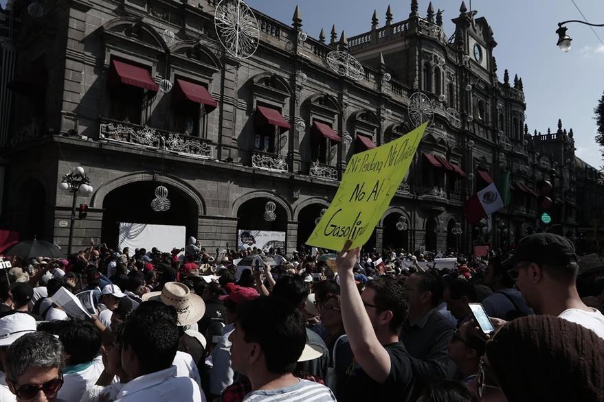 Marchan en la Ciudad por Gasolinazo