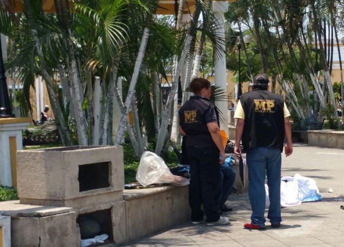 Parque central de Escuintla, donde fue asesinado José María Pérez Corado. (Foto Prensa Libre: Hemeroteca PL).