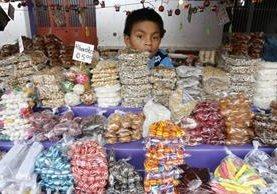 Venta de dulces tipicos de Guatemala. (Foto Prensa Libre: Paulo Raquec)
