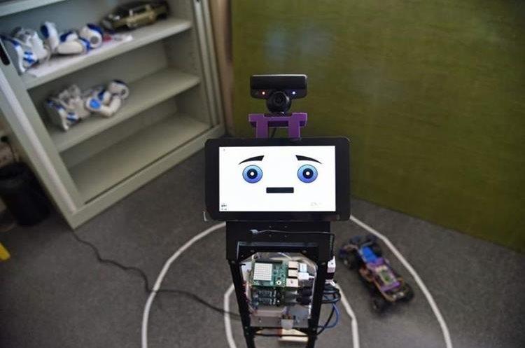 Robot NAO que identificará emociones. (Foto Prensa Libre, UPV)