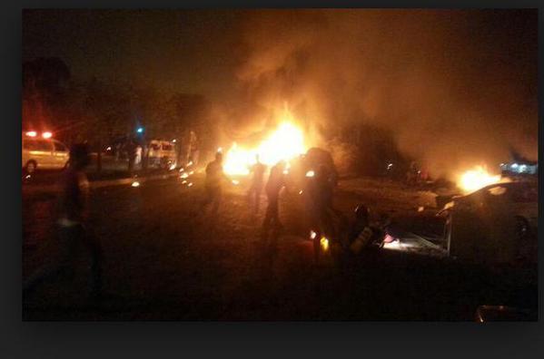 <em>Una bomba de gran tamaño explotó cerca de un edificio de seguridad nacional en el barrio de Shubra, en El Cairo. (Foto Prensa Libre: @IraqiSuryani1/Twitter).</em>