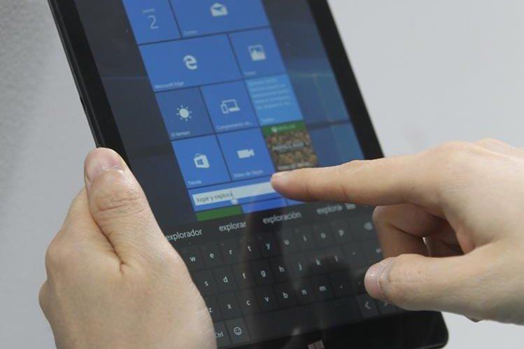 El dispositivo tiene pantalla de 8 pulgadas, y se adapta para el ocio y para el trabajo. (Foto Prensa Libre: Keneth Cruz).