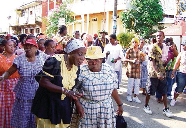 En Livingston se realiza la danza Yankunú cada fin de año. (Foto: Hemeroteca PL)