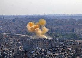 Varios muertos por bombardeos con gas tóxico en Siria. (Foto Prensa Libre: DPA)