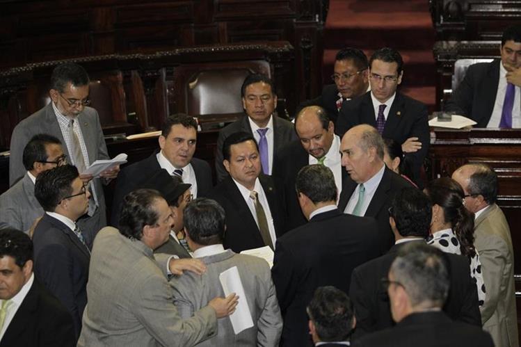 Centros de estudio y sectores sociales analizan el desempeño de la actual legislatura. (Foto Prensa Libre: Hemeroteca PL)