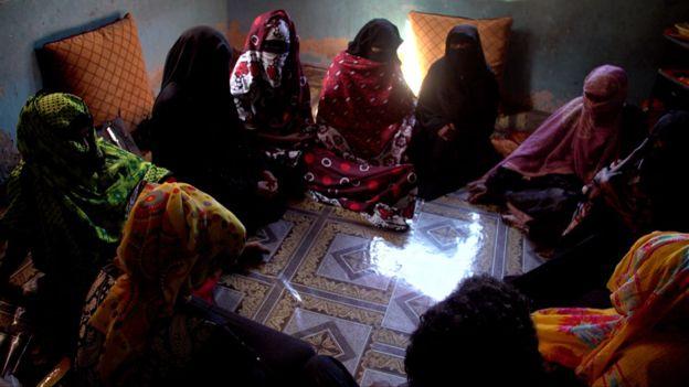 Salama creó un grupo de apoyo para víctimas de esclavitud sexual y muchas mujeres la contactaron pidiendo unirse al grupo.