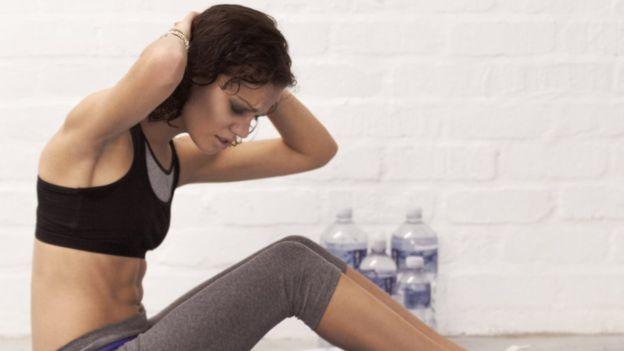 La anorexia hace que se sienta la necesidad de quemar cada caloría ingerida. (PEOPLEIMAGES)