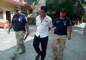 Rudy Alexander Martínez, de 22 años, es sindicado de haber violado a una turista canadiense en Lívingston, Izabal. (Foto Prensa Libre: PNC)