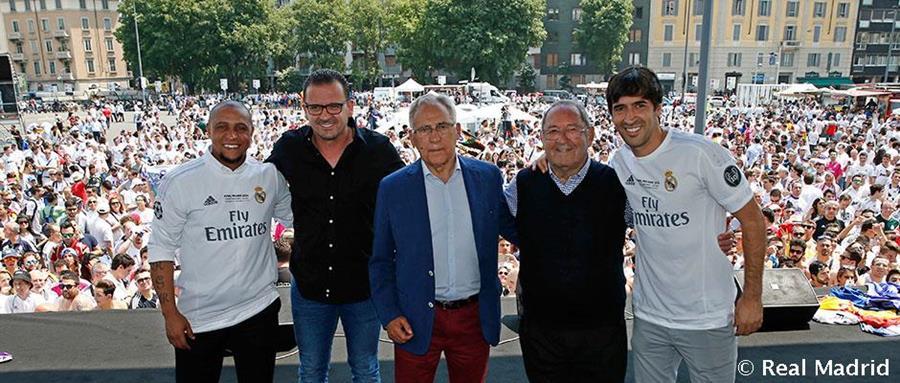 Así posaron en Milán las leyendas del equipo blanco. (Foto Prensa Libre: REALMADRID.COM)