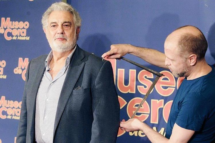 Expertos tomaron las medidas precisas para crear la efigie del tenor. (Foto Prensa Libre. EFE)