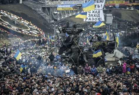 Miles protestan en Ucrania contra Rusia.
