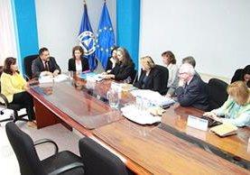 Diputados de la Delegación para las Relaciones con los Países de América Central, del Parlamento Europeo, durante su visita a Guatemala en 2015. (Foto Prensa Libre: Parlacen)