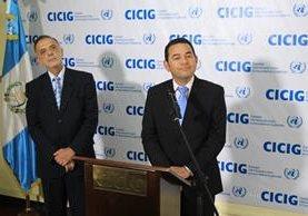 El comisionado de Cicig, Iván Velásquez, durante el apoyo recibido por parte del mandatario, Jimmy Morales, en 2015. (Foto Prensa Libre: Hemeroteca PL)