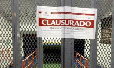 Autoridades mexicanas clausuraron el estadio Jalisco por los problemas que registraron la tarde del domingo.