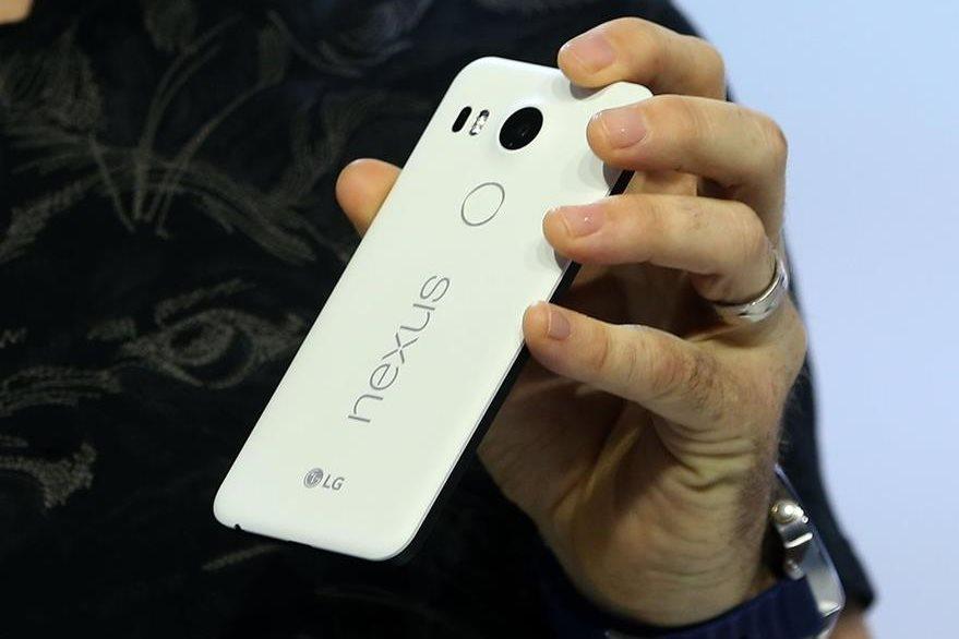 Google dio a conocer su línea de teléfono inteligentes y nuevas características de software 6.0 Marshmallow Android. (Foto Prensa Libre: AFP)