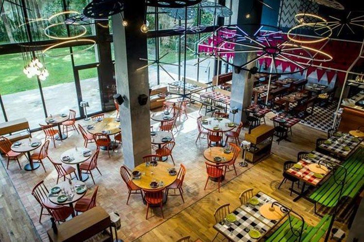 Una vista del restaurante que los hermanos de Messi recientemente abrieron. (Foto Prensa Libre: tomada de La Vanguardia)