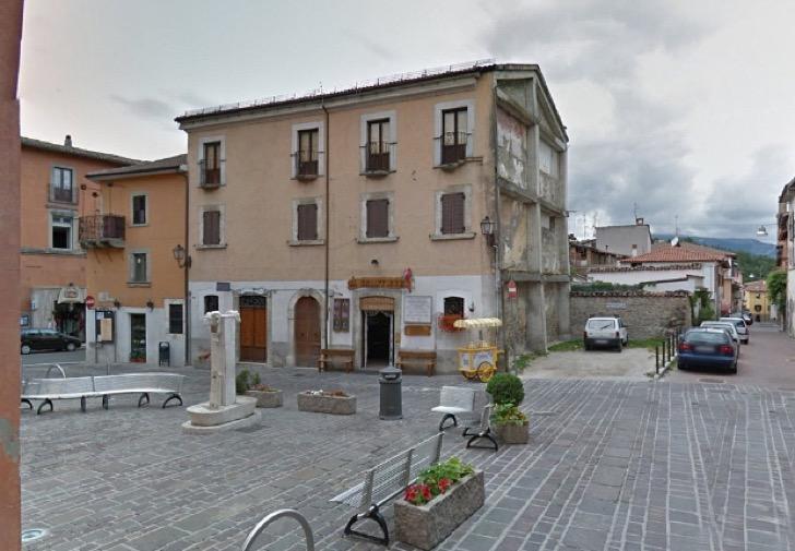 """El """"antes"""" de una de las áreas más emblemáticas de Amatrice. (Foto tomada del sitio: supernoticiasd.com)."""