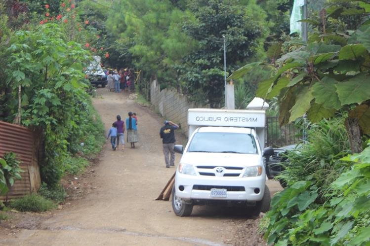Lugar donde fue localizado el cuerpo de un hombre, en Cobán, Alta Verapaz. (Foto Prensa Libre: Ángel Tax)