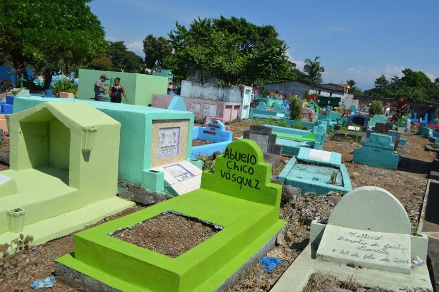 Cementerio de la cabecera de Retalhuleu contará con vigilancia por parte de la PNC. (Foto Prensa Libre: Rolando Miranda)