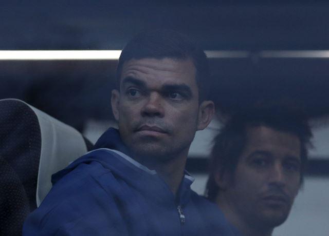 Pepe, jugador del Real Madrid, dejó claro que su futuro continúa en el equipo blanco. (Foto Prensa Libre: AFP).