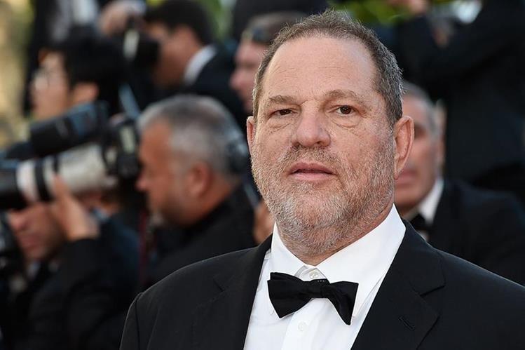 El productor Harvey Weinstein se entrega a la policía de Nueva York