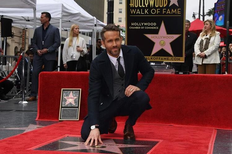 Ryan Reynolds recibe su estrella en Hollywood