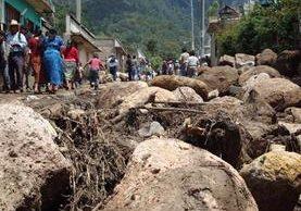 Los deslizamientos causados por la lluvia ponen en riesgo a miles de personas en todo el país. (Foto Hemeroteca PL)