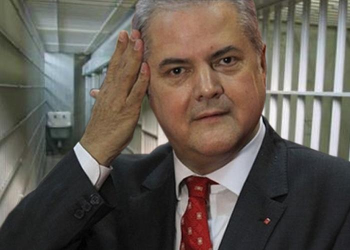 Adrian Nastase, condenado por financiación ilegal de su partido en el 2012 y luego por soborno en el 2014.