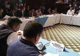 Junta Directiva del Congreso efectúa la primera sesión del 2017 y discute reformas constitucionales. (Foto Prensa Libre: Jessica Gramajo)