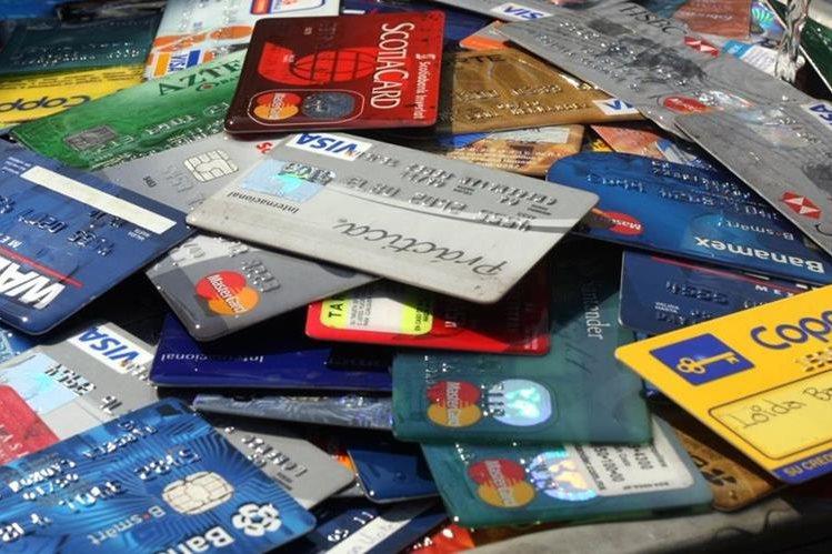 La Ley de Tarjetas de Crédito cobrará vigencia en marzo. (Foto Prensa Libre: Hemeroteca PL)