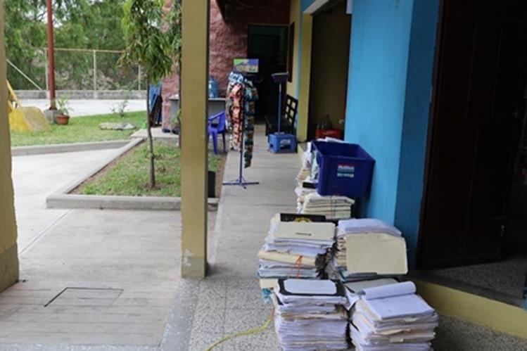 Edificio donde permanecen temporalmente los uniformados en Esquipulas, Chiquimula. (Foto Prensa Libre: Edwin Paxtor).