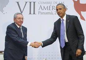 Castro y Obama coincidieron en abril pasado durante la VII Cumbre de las Américas en Panamá. (Foto Prensa Libre: Hemeroteca PL).