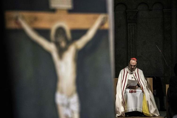 Philippe Barbarin, arzobispo de Lyon, es objeto de investigación por no denunciar agresiones sexuales de su diócesis. (Foto Prensa Libre: AFP).