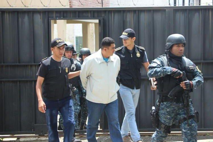 Jorge Armando Casasola Flores, de 35 años, fue capturado por ser sospechoso de violar a una joven de 14 años. (Foto Prensa Libre: PNC)