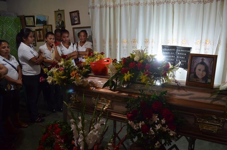 Compañeros de estudio lamentan la muerte de Gabriela Hernández