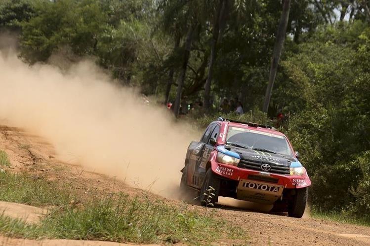 En la categoría de autos el catarí Nasser Al Attiyah se impusó en la primera etapa del Rally Dakar 2017. (Foto Prensa Libre: EFE)