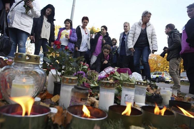 El asesino pasó a la acción en un barrio pobre, en el que abundan la segregación social y el desempleo.(Foto Prensa Libre: EFE).