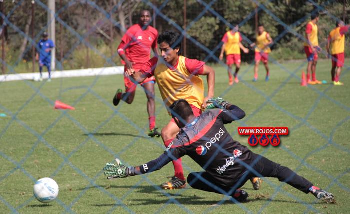 Municipal se entrenó este viernes a un turno en las canchas de Greenfield, donde ensayó la definición a gol, (Foto cortesía rojos.com)