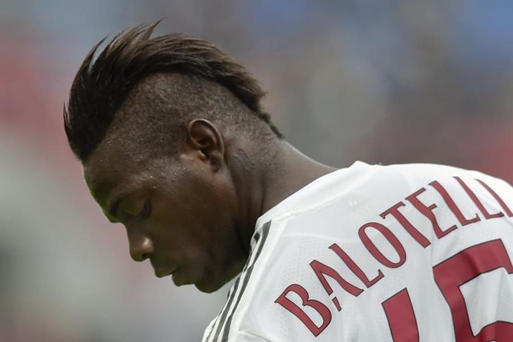 Balotelli tuvo un paso insípido por el AC Milán. (Foto Prensa Libre: AP)