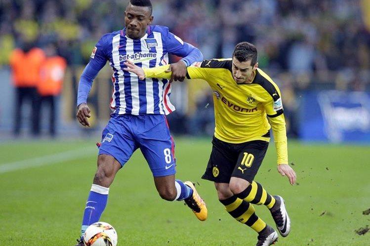 El Borussia Dortmund decepcionó en su visita al Hertha este sábado. (Foto Prensa Libre: AP)