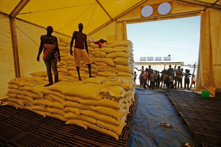 Donaciones de alimentos llegan a Sudán del Sur. (Foto Prensa Libre: AFP).