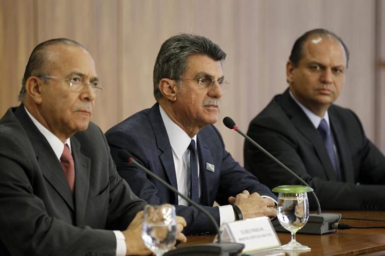 Autoridades del gobierno interino de Brasil será recortar empleos públicos como herramienta para reducir los gastos. (Foto Prensa Libre: EFE)