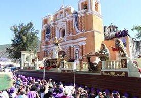 Antigua Guatemala y Jocotenango se llenan de devoción con procesión.