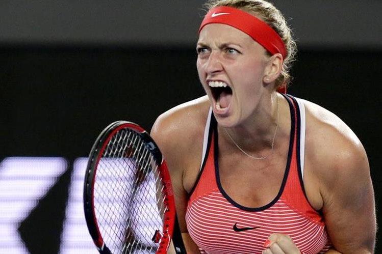 La checa Petra Kvitova estará fuera por tres meses después de ser operada de una herida en la mano sufrida en un asalto en su casa. (Foto Prensa Libre: Hemeroteca)