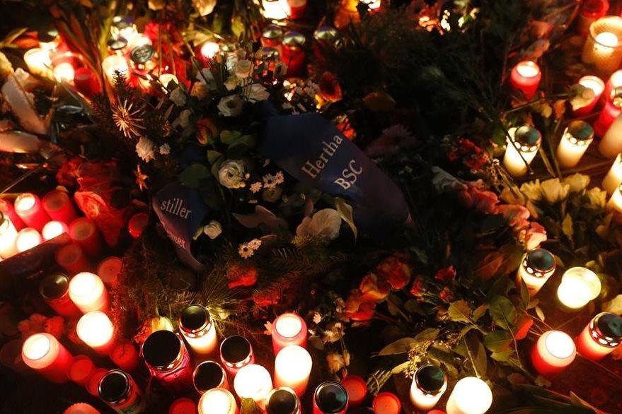 Al menos 12 personas murieron en el ataque terrorista. (Foto Prensa Libre: AFP).