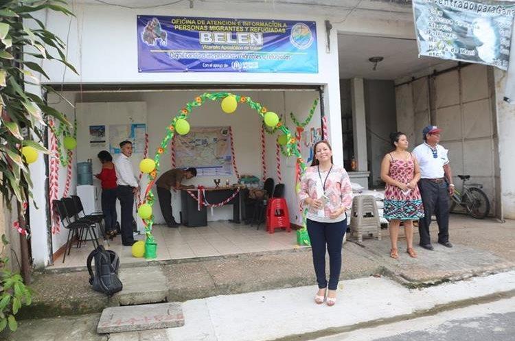 La oficina de apoyo a los migrantes se abrió en el cruce de La Ruidosa, Morales, Izabal.. (Foto Prensa Libre: Dony Stewart)