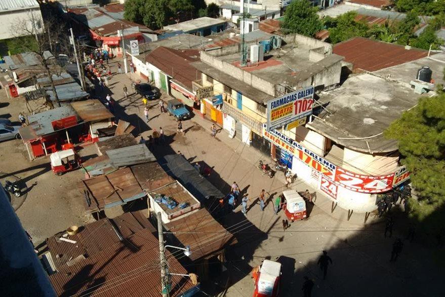 Vista aérea de las cercanías del Hospital Nacional de Cuilapa, Santa Rosa, donde se registran disturbios. (Foto Prensa Libre: Oswaldo Cardona)